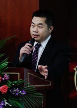 IT项目管理培训讲师 A101:Luo Lao Shi ,中国电子信息产业发展研究院华南分院顾问、中国管理科学研究院特约研究员,常住:广州