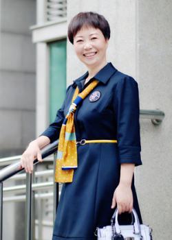 项目管理培训讲师 A103:Yun Lao Shi,国内屈指可数的同时拥有PMP、IPMP和PRINCE2三大项目管理国际认证证书的专家,常住:北京